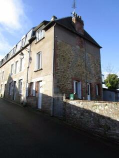 Normandy, Calvados, near Vire. 2 bedroom house