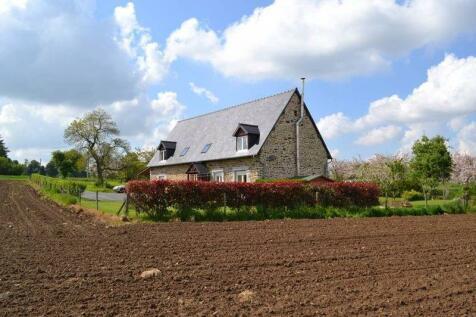 Normandy, Calvados, Viessoix. 4 bedroom house