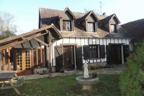 Normandy, Orne, near La Baroche sous Luce. 4 bedroom house