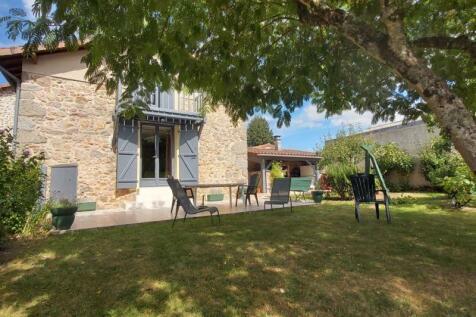 Savignac de Nontron, Dordogne, Nouvelle-Aquitaine. 2 bedroom house