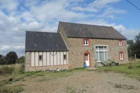 Normandy, Orne, Domfront-en-Poiraie. 4 bedroom house