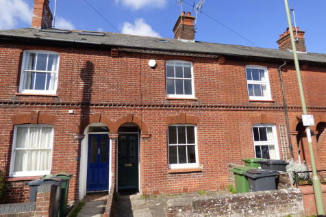 St Catherines Road, Winchester. 1 bedroom terraced house