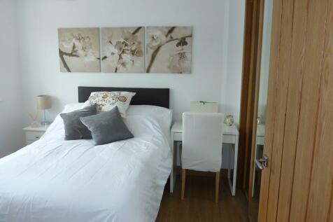 Balfour House*, Winnall Close. 2 bedroom apartment