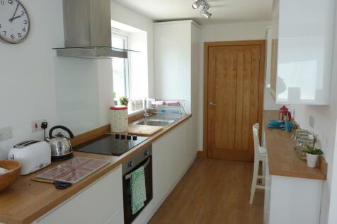 Balfour House, Winnall Close. 2 bedroom apartment