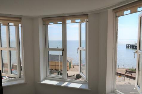 Alexandra Court, The Esplanade, Penarth. 2 bedroom flat