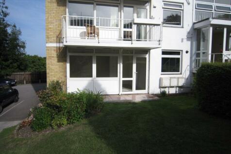 Shady Bower Close, Salisbury, Wiltshire. 2 bedroom flat