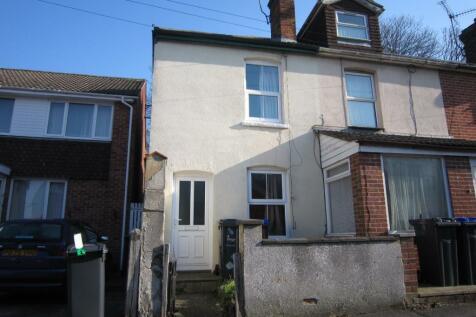 Hillview Road, Salisbury, Wiltshire. 2 bedroom house