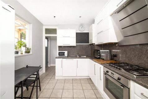 Grosvenor Park, London, SE5. 4 bedroom terraced house for sale