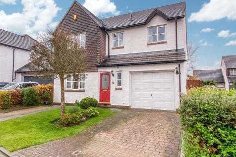 The Hawthorns, Lancaster. 4 bedroom detached house for sale