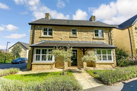 Campbell Drive, Lancaster. 4 bedroom detached house