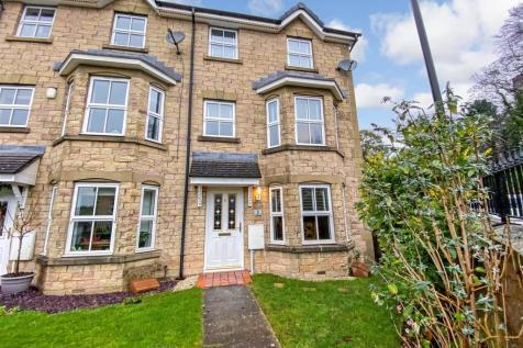 Wentworth Drive, Lancaster. 3 bedroom town house for sale