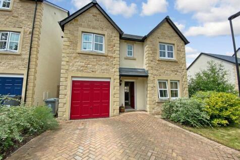 Coleman Drive, Highwood - a stylish detached home. 4 bedroom detached house for sale