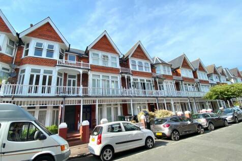 Elms Avenue, Eastbourne. 8 bedroom terraced house