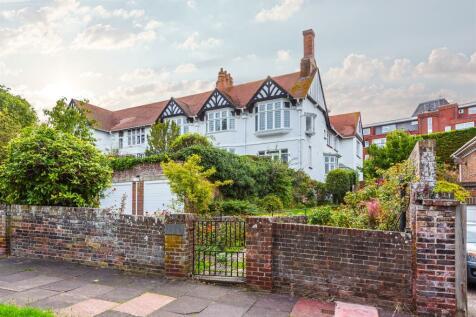 Fairfield Road, Eastbourne. 3 bedroom ground floor flat