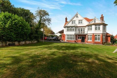 Arundel Road, Eastbourne. 7 bedroom detached house