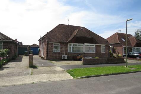 Coombe Farm Avenue, Fareham, PO16 0TS, South East - Semi-Detached Bungalow / 3 bedroom semi-detached bungalow for sale / £255,000