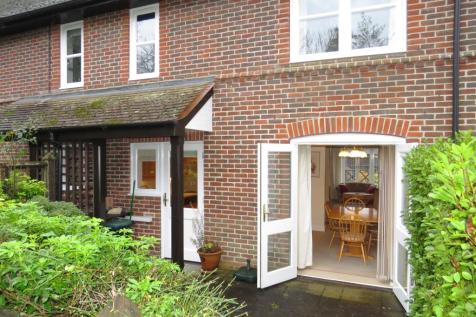 Timbermill Court, Fordingbridge. 2 bedroom end of terrace house