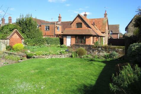 The Headlands, Downton, Salisbury. 2 bedroom end of terrace house