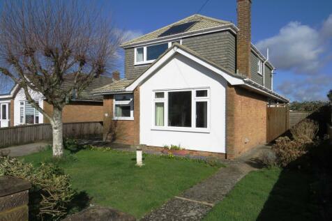 Squarey Close, Downton, Salisbury. 4 bedroom bungalow