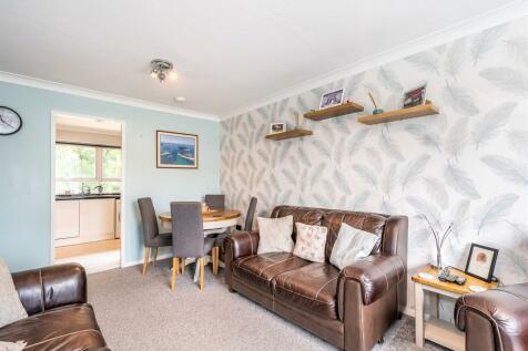 Station Road, Alderholt, Fordingbridge. 2 bedroom flat