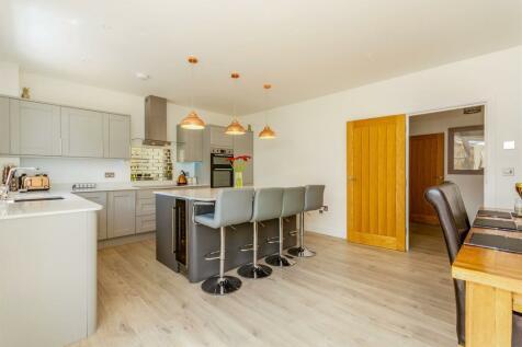 Hayters Way, Alderholt, Fordingbridge. 4 bedroom detached house