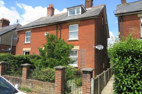 Park Road, Fordingbridge. 3 bedroom semi-detached house