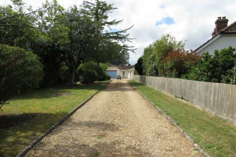 Normandy, Nunton. 4 bedroom detached bungalow