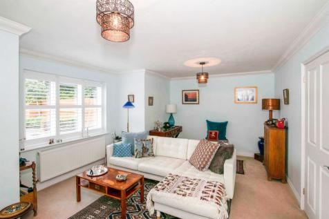 Farriers, Fordingbridge. 3 bedroom mews house