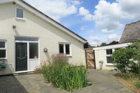High Street, Damerham, Fordingbridge. 2 bedroom semi-detached bungalow