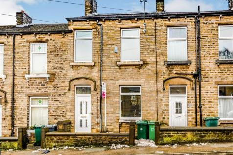 Quarmby Road, Quarmby, Huddersfield. 4 bedroom terraced house for sale