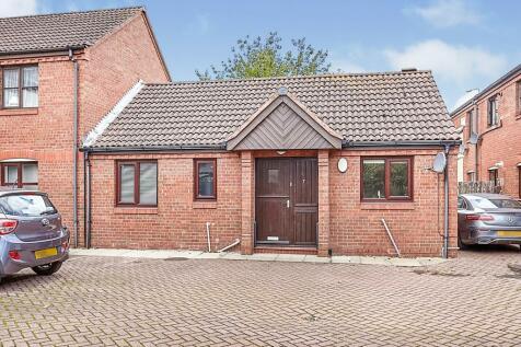 Admirals Croft, Hull. 2 bedroom semi-detached bungalow