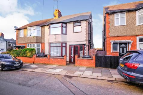 Oakwood Road, Northampton. 4 bedroom semi-detached house for sale