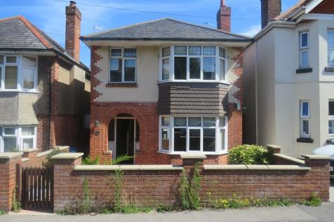 Garland Road, Poole. 3 bedroom detached house
