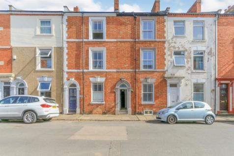 Lower Thrift Street, Northampton. 3 bedroom terraced house for sale
