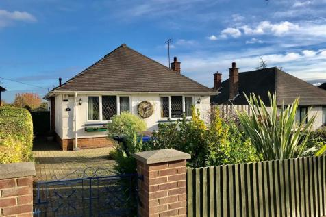 Rushmere Road, Northampton. 2 bedroom detached bungalow for sale
