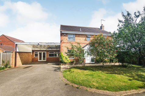 Barkston Drive, Peterborough. 4 bedroom detached house