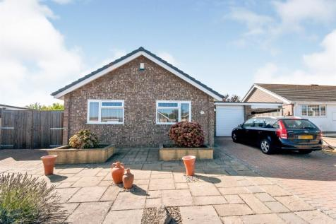 Lucinda Way, Seaford. 2 bedroom detached bungalow for sale