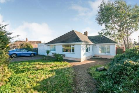 Homefield Road, Seaford. 3 bedroom detached bungalow for sale