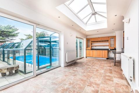 Harbour Way, Shoreham-By-Sea. 4 bedroom detached house for sale