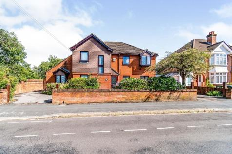 Hawthorn Road, Highfield, Southampton. 5 bedroom detached house