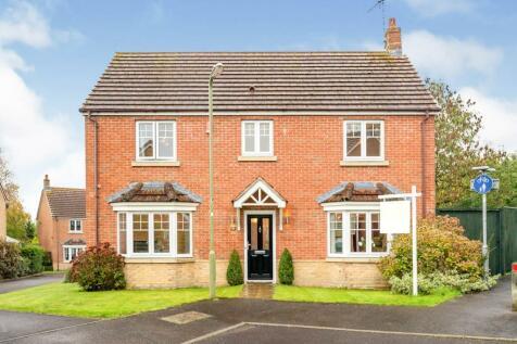 Finley Close, Totton, SOUTHAMPTON. 4 bedroom detached house for sale
