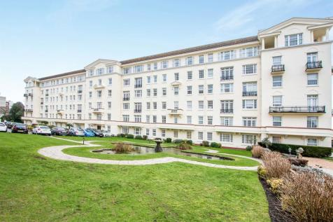 Bath Road, Bournemouth. 3 bedroom flat for sale