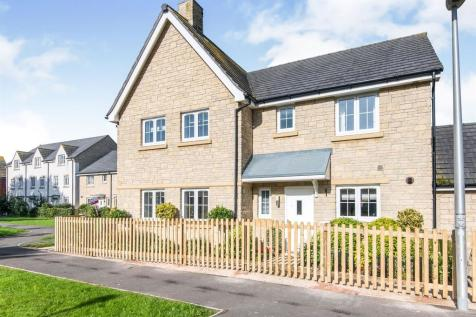 Green Lawn Way, Axminster. 3 bedroom semi-detached house