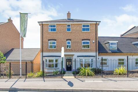 Novale Way, Wakefield. 5 bedroom semi-detached house for sale