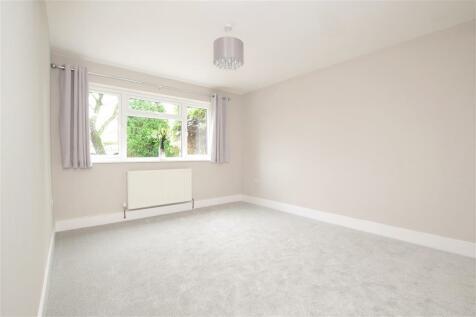 Farhalls Crescent, Horsham, West Sussex. 3 bedroom detached house for sale