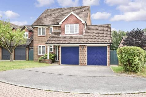 Tennyson Close, Horsham, West Sussex. 4 bedroom detached house for sale