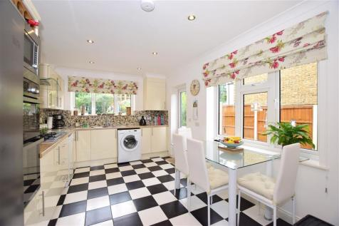 Kingston Road, Leatherhead, Surrey. 4 bedroom detached house for sale