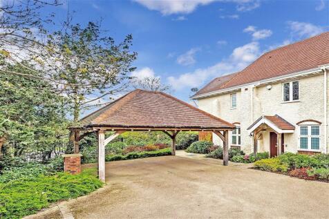Dovers Green Road, Reigate, Surrey. 4 bedroom link detached house for sale