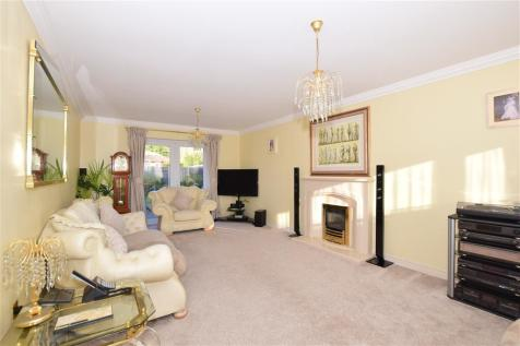 Great Gatton Close, Shirley, Croydon, Surrey. 5 bedroom detached house