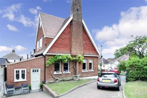Meadow Road, Sutton, Surrey. 5 bedroom detached house